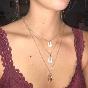 Triple layer Shell necklace set 🤩